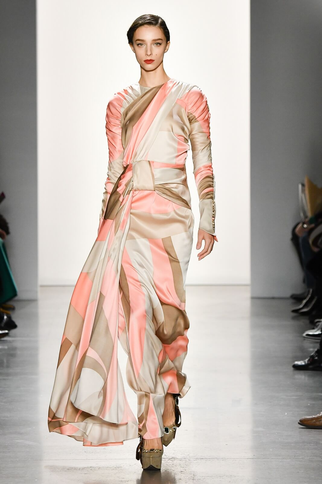 NYFW, #nyfw, new york fashion week, son jung wan, @sonjungwan, #sonjungwan, predupre, @predupre, NYFW the Shows, NYFW F/W 2019, women's apparel, women's fashion, women's fall fashion, women's winter fashion, fashion collection, fall fashion trends, winter fashion trends, #runway, #runwaymodel, Son Jung Wan F/W 2019, #nyc, #runway, fall trends 2019, fall style 2019, winter trends 2019, winter style 2019